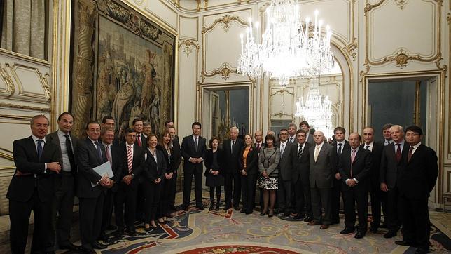 Gobierno y grandes empresas se unen en defensa de la «marca España»