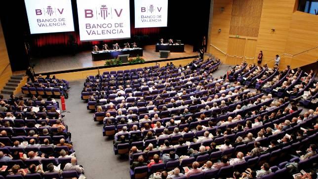 El banco de valencia lleva ante los tribunales a su for Banco abierto sabado madrid