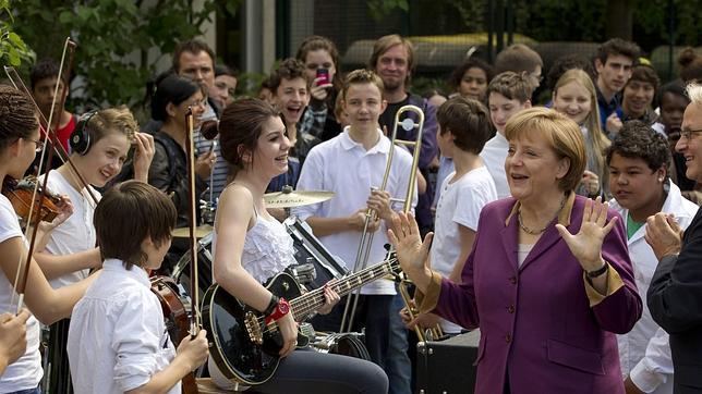 Merkel, dispuesta a enseñar las uñas