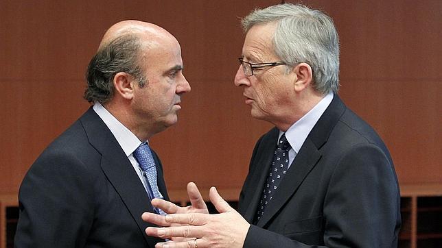 De Guindos afirma que «en menos de dos meses» estarán listos los nuevos balances del «ladrillo» bancario