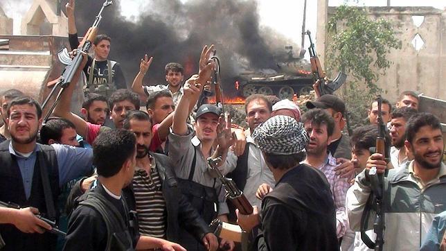EE.UU. y los países del Golfo ayudan a los rebeldes sirios a rearmarse, según el «Washington Post»