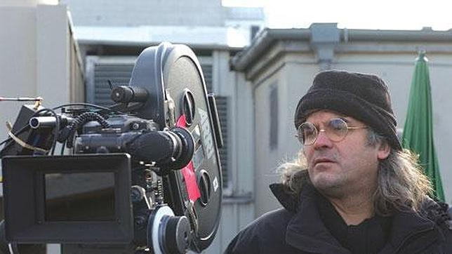 http://www.abc.es/Media/201205/18/Paul-Greengrass-on-set--644x362.jpg