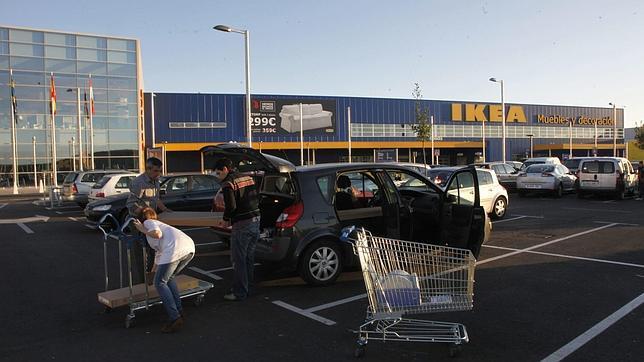 El centro comercial r o shopping de arroyo de la for Autobus rio shopping valladolid