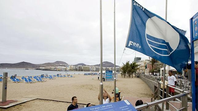 Las playas y puertos españoles consiguen 35 banderas azules más