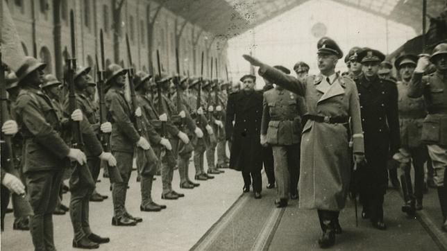 Así buscó Hitler el Santo Grial en España Himmler-llegada-madrid-abc-22101940--644x362