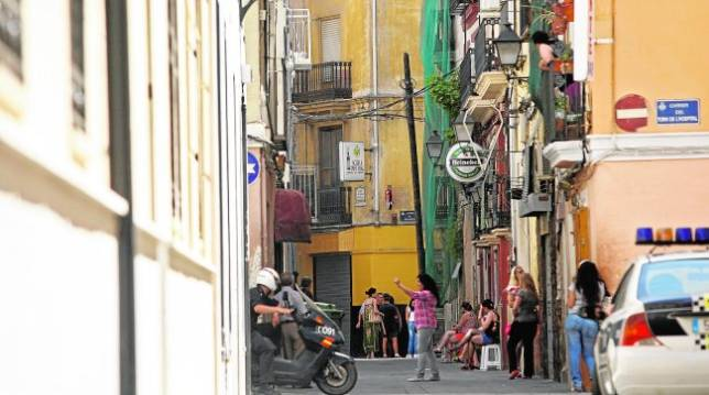 ahora prostitutas estilo perrito en Valencia