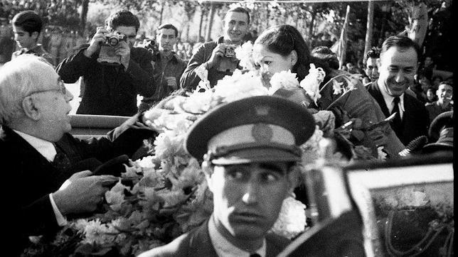 La nieta de Negrín firmará la foto del expresidente con Robert Capa