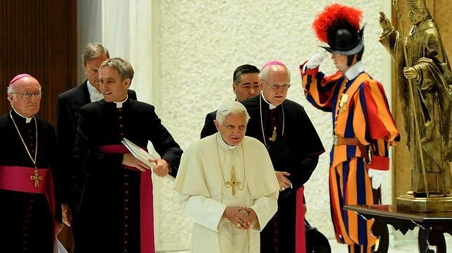 El Papa pide unidad a los 44 nuevos arzobispos metropolitanos