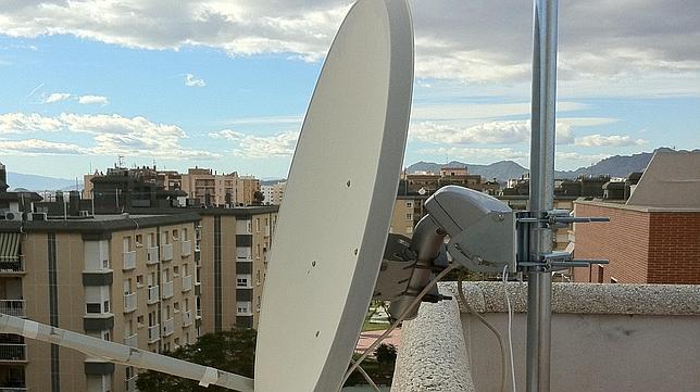 Un chino se enfrenta en Zaragoza hasta a 60.000 euros de multa por una antena parabólica