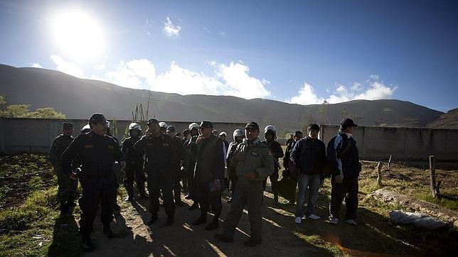 Estado de excepción en Perú debido a los enfrentamientos por el proyecto minero «Conga»
