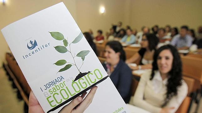 """Los etiquetados ecológicos""""confunden y agobian"""" a las empresas y a los usuarios"""