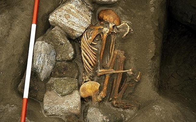 Hallan dos momias «Frankenstein» en Escocia