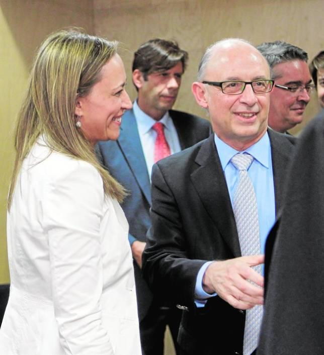 Elena Muñoz da un «sí crítico» a los nuevos objetivos de déficit