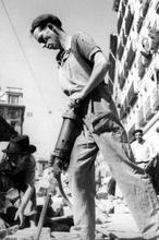 Nuestra paga extra de verano, un «parche» de Franco para esconder la crisis