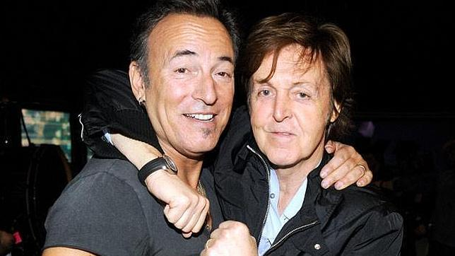 http://www.abc.es/Media/201207/15/1642659-bruce-springsteen-paul-mccartney-show-backstage-617--644x362.jpg