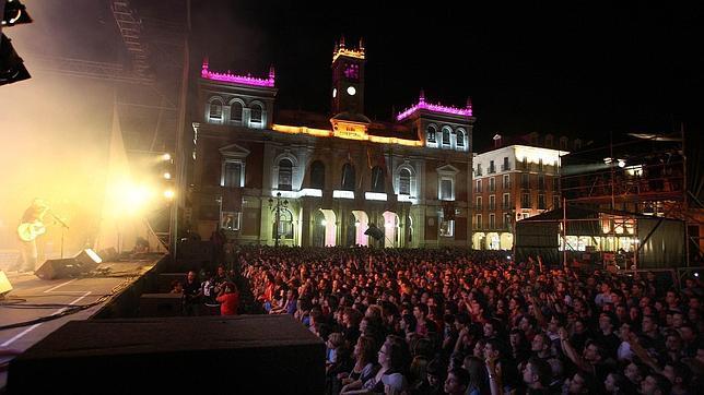concierto en la plaza ayor de valladolid