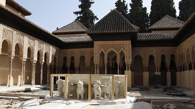 El Patio De Los Leones De La Alhambra Reabre Tras Diez Anos De