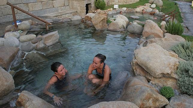 Las 10 mejores piscinas naturales de espa a - Piscinas naturales madrid gratis ...