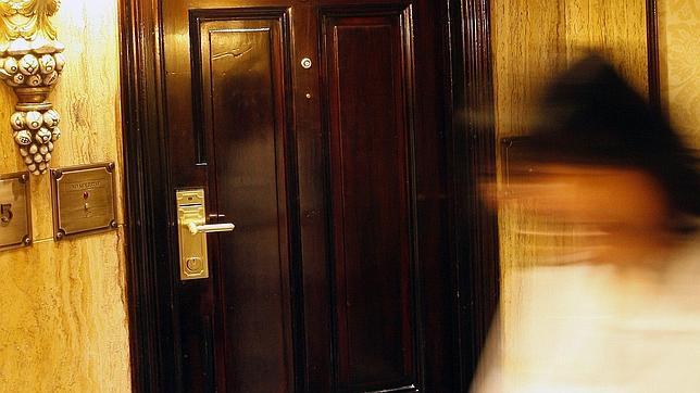 Dos vulnerabilidades permiten que cualquiera pueda entrar for Puerta automatica no abre