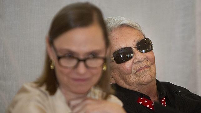 Chavela Vargas «encabronada» porque no encuentra plaza para volver a México