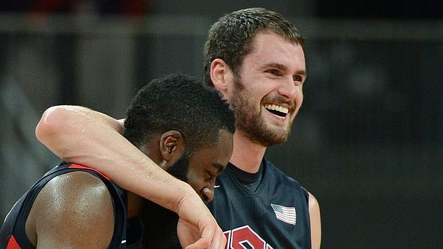 James Harden y Kevin Love