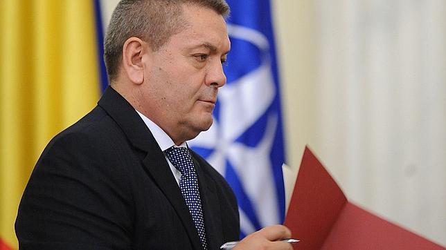 Dimite el ministro del interior rumano por presiones for El ministro del interior