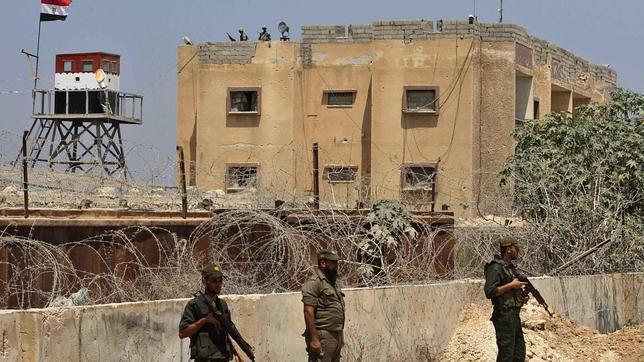 Israel pide a Egipto «mayor firmeza» en el Sinaí tras el ataque yihadista