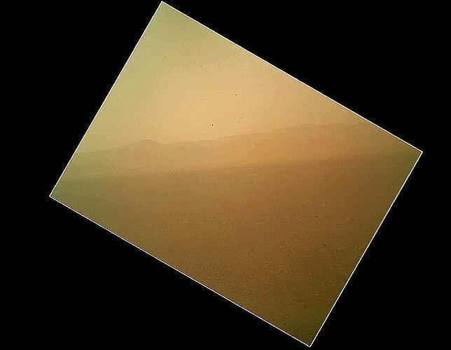 La primera imagen en color del Curiosity en Marte