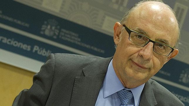Hacienda puntualiza que Montoro habló sobre los recortes el pasado mayo