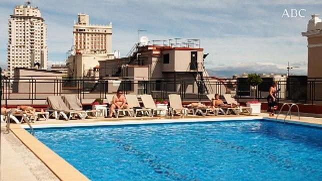 azotea con piscina en el centro de madrid On piscinas azoteas madrid