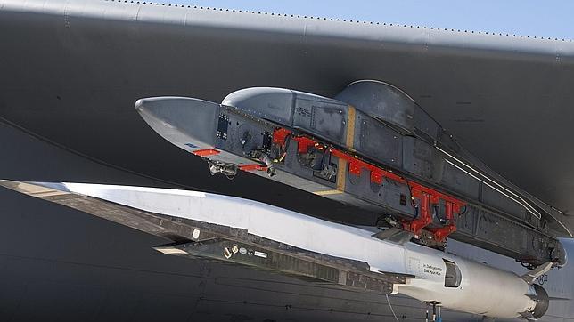 El avión hipersónico X-51A WaveRider se desintegra sobre el Pacífico