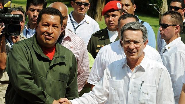 Uribe admite que pensó en atacar a las FARC en Venezuela pero que le faltó tiempo
