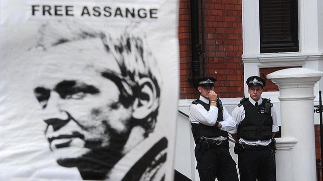 Assange y Garzón comparecen este domingo