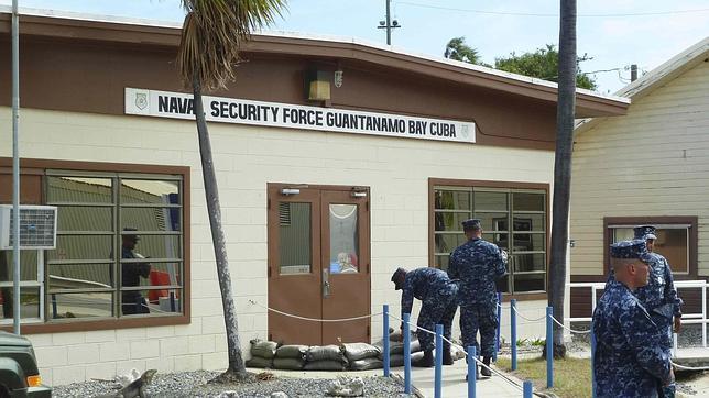 Soldados estadounidenses se preparan para el paso de la for Cuba motors el paso
