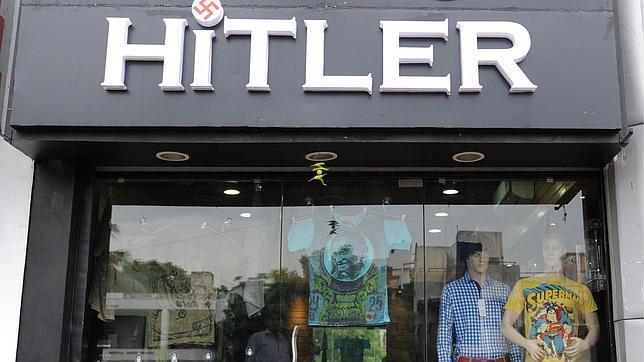 Una tienda de ropa revive a Hitler en India