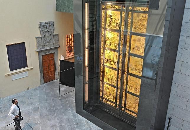 Imagen de la Puerta del Paraíso, de Ghiberti. EFE