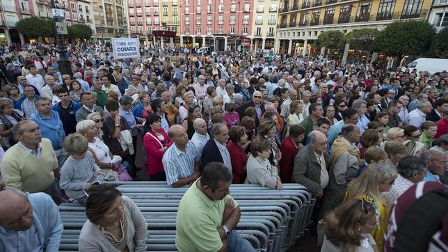 Un millar de personas muestra su indignación en Burgos por la excarcelación del etarra Bolinaga