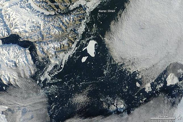 La isla de hielo del tamaño de Manhattan, a la deriva