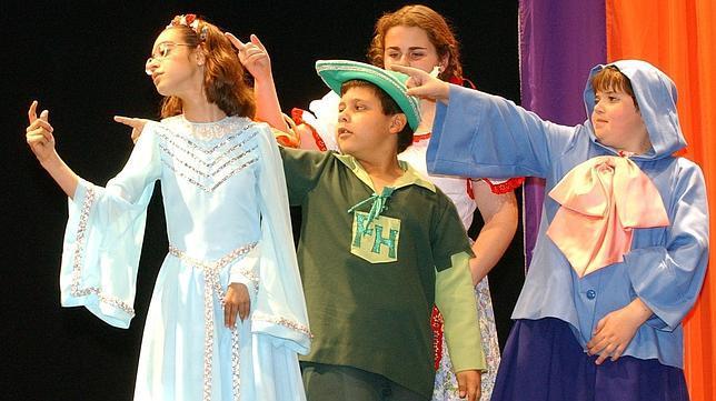 Niños con discapacidad visual acercan el teatro a los más pequeños