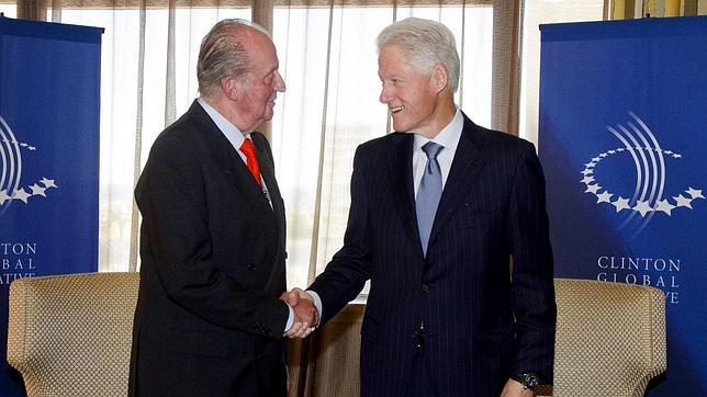 Bill Clinton transmite al Rey su confianza en que España saldrá de la crisis