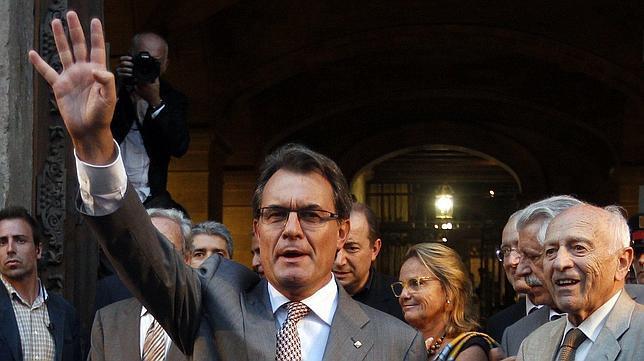 CiU propone consultar a los catalanes sobre la independencia