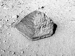 El Curiosity toca una roca marciana por primera vez