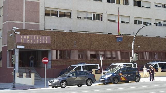 Edificio de la comisar a de polic a nacional en c diz - Policia nacional cadiz ...