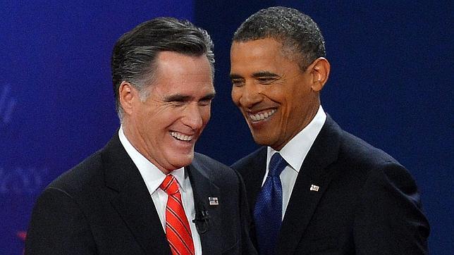 Romney se impone a un Obama a la defensiva