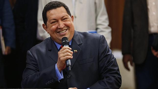 """Hugo Chávez, en sus mejores perlas lingüisticas: del """"exprópiese"""" al """"cochino majunche"""""""