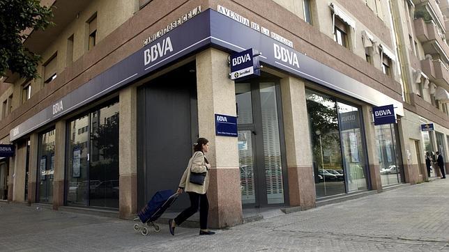 S p estudia rebajar los ratings de los bancos espa oles for Casas del banco bbva