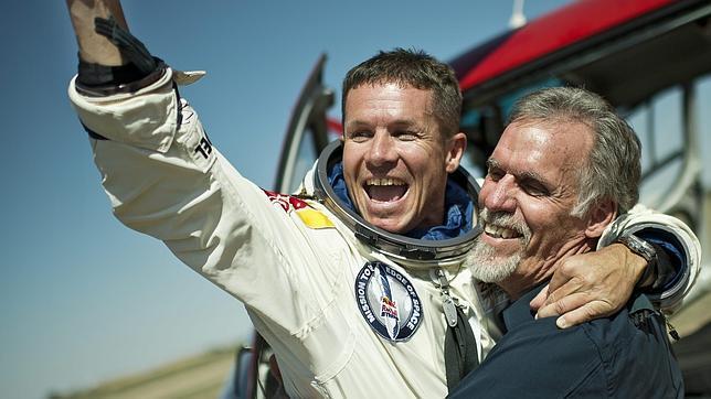 La Física responde a las preguntas que suscita el histórico salto de Baumgartner