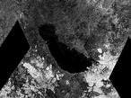 La extraña cruz gigante de Titán