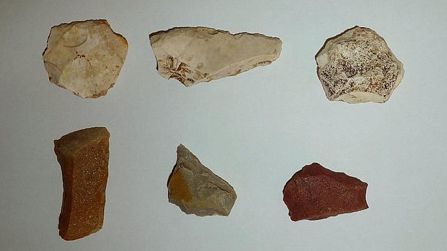 Los neandertales aprendieron a hacer joyas y herramientas de los humanos
