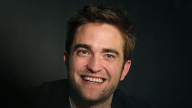http://www.abc.es/Media/201210/31/robert-pattinson-dior--644x362.jpg